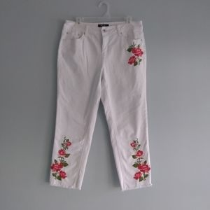 White Cropped Ankle Floral Embroidered Earl Jeans